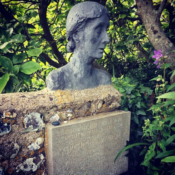 Virginia Woolf's ashes in Sussex   (via    Twitter   )