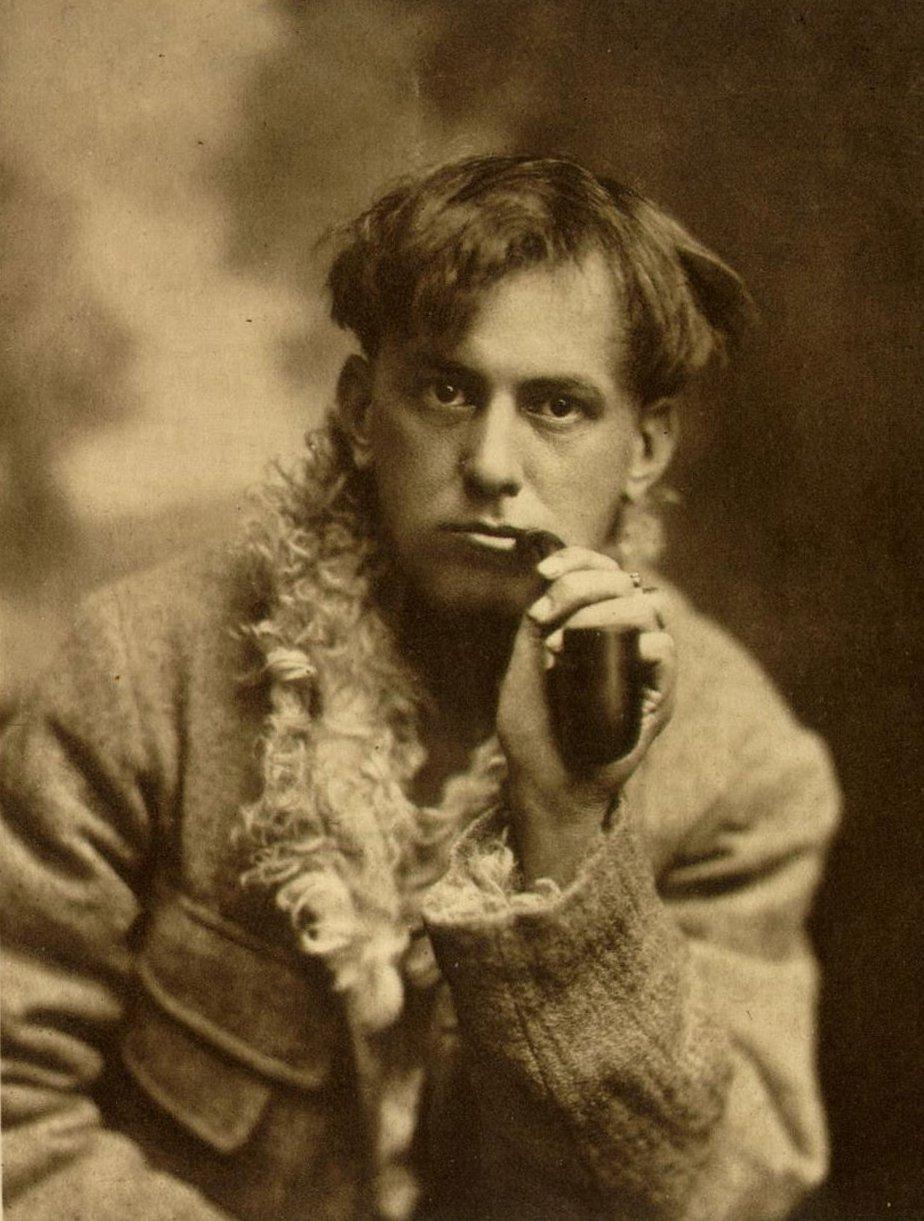 Crowley during his Cambridge years (via Aleister Crowley 2012)