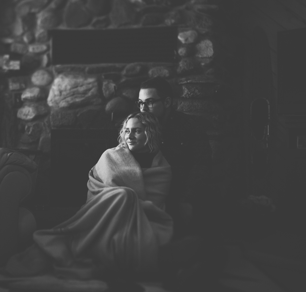 brandon_werth_cabin_engagement_session_15.jpg