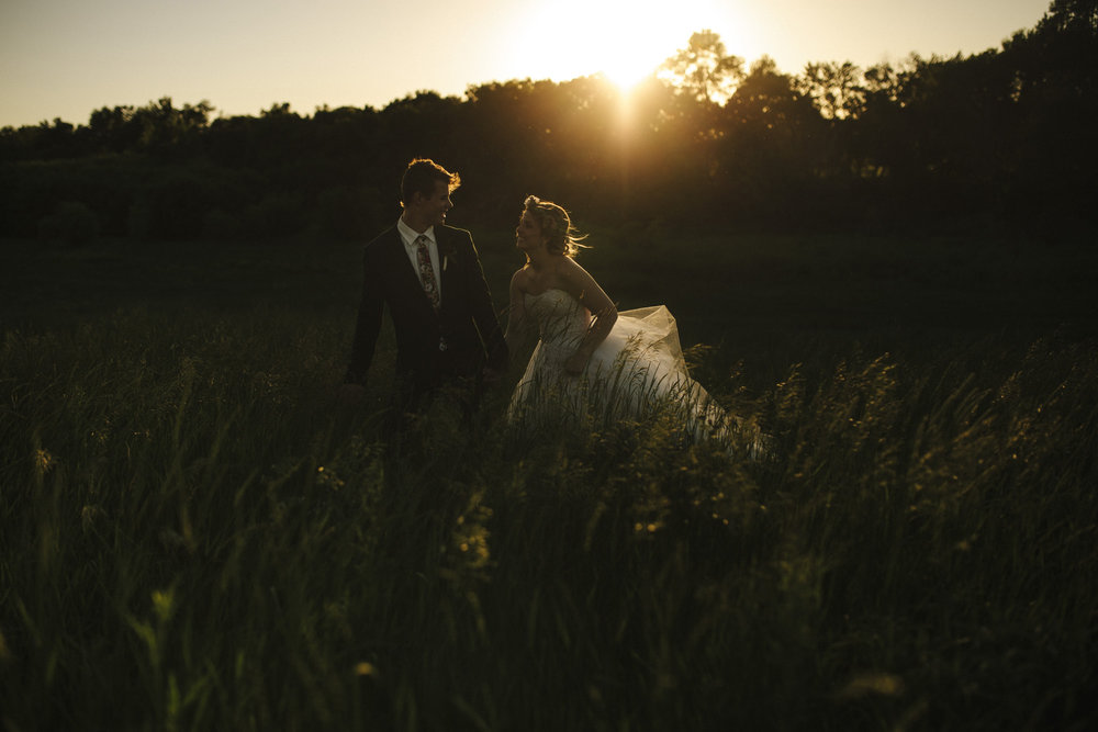 Brandon werth minnesota wedding photographer golden hour field