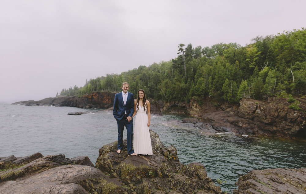 marquette michigan wedding photographer black rocks