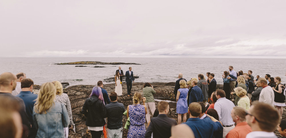 marquette michigan ceremony black rocks lake superior wedding photography brandon werth
