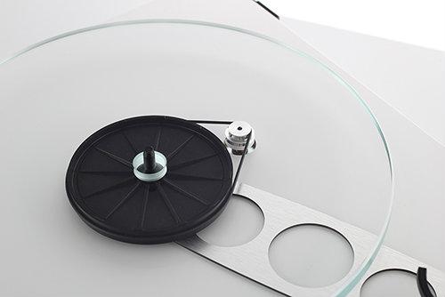 planar-3-white-brace-and-hub-detail-gallery.jpg