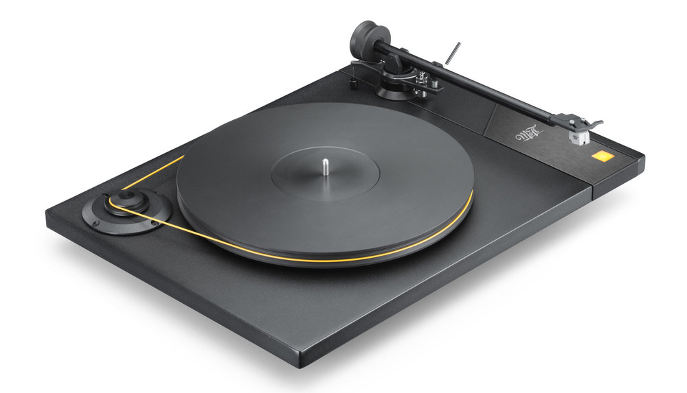MoFi_Electronics_StudioDeck_Turntable_Angle_High_Right.jpg