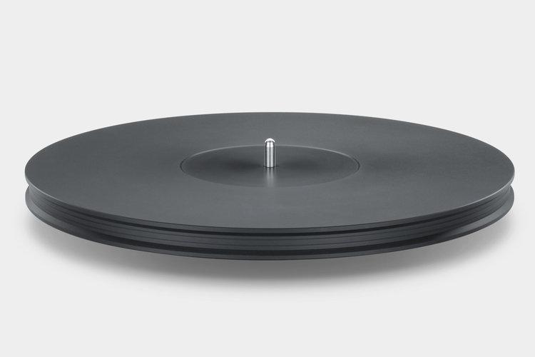 Mobile+Fidelity+StudioDeck+Platter+Detail.jpeg