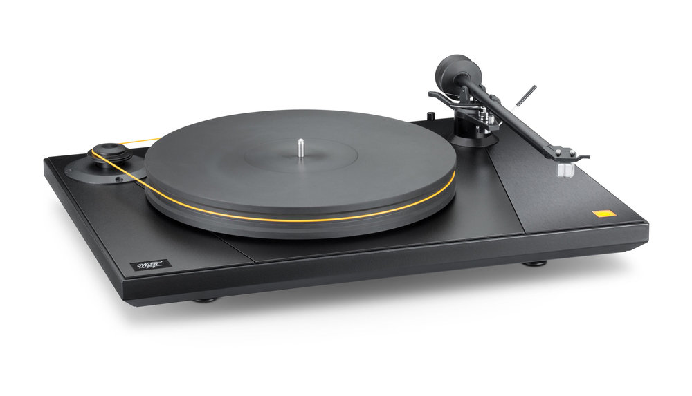 MoFi_Electronics_UltraDeck_Turntable_Angle_Right2.jpg