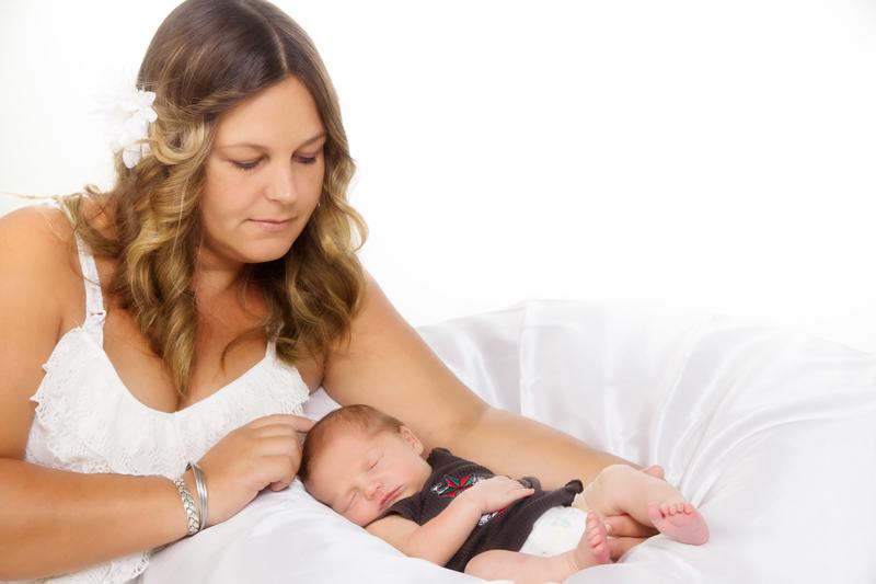 Marc-&-Teresa---Newborn-020.jpg