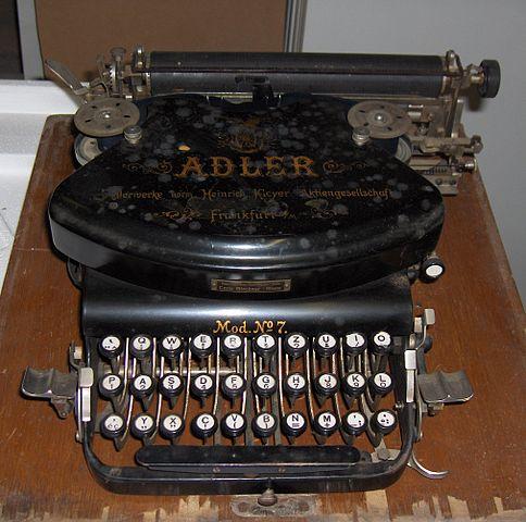 Typewriter_adler1.jpg