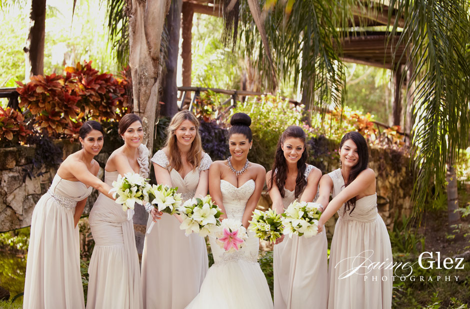 Lovely natural bride and bridesmaid...
