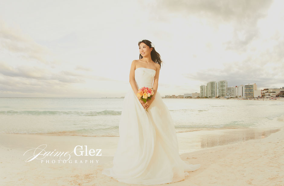 trash the dress photography in cancun 9