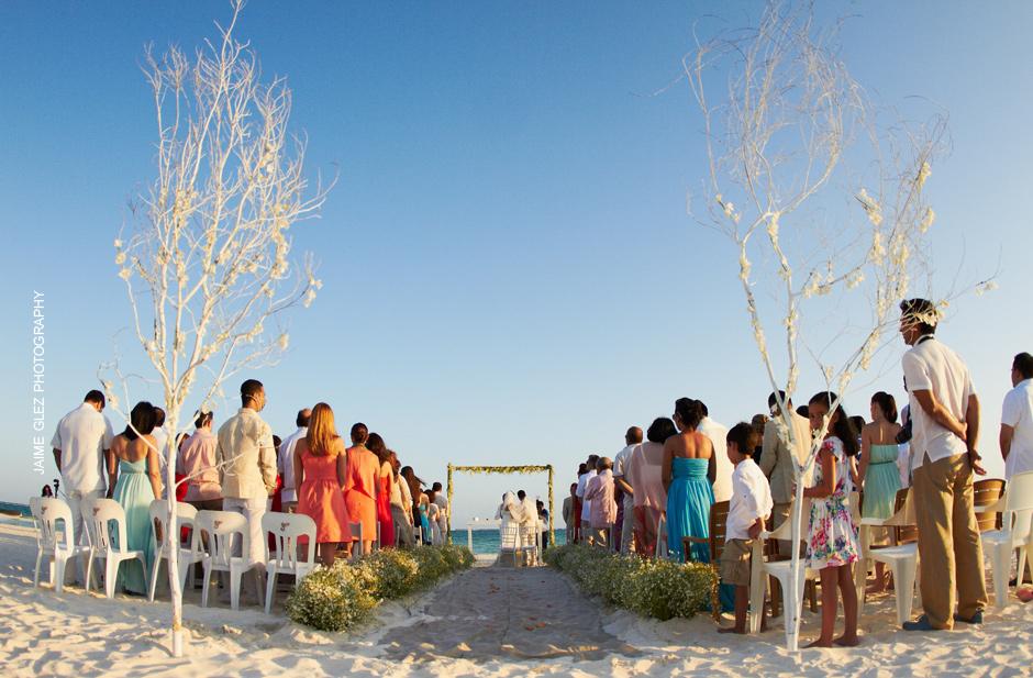 Intimate wedding ceremony at Maroma beach.