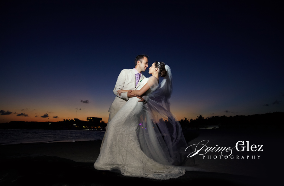Amazing photo under fantastic twilight in Maroma Beach.