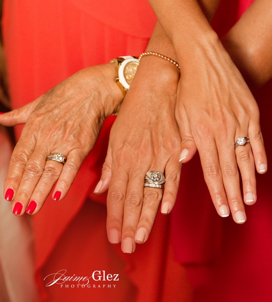The 3 generations: bride, mother and grandmother...