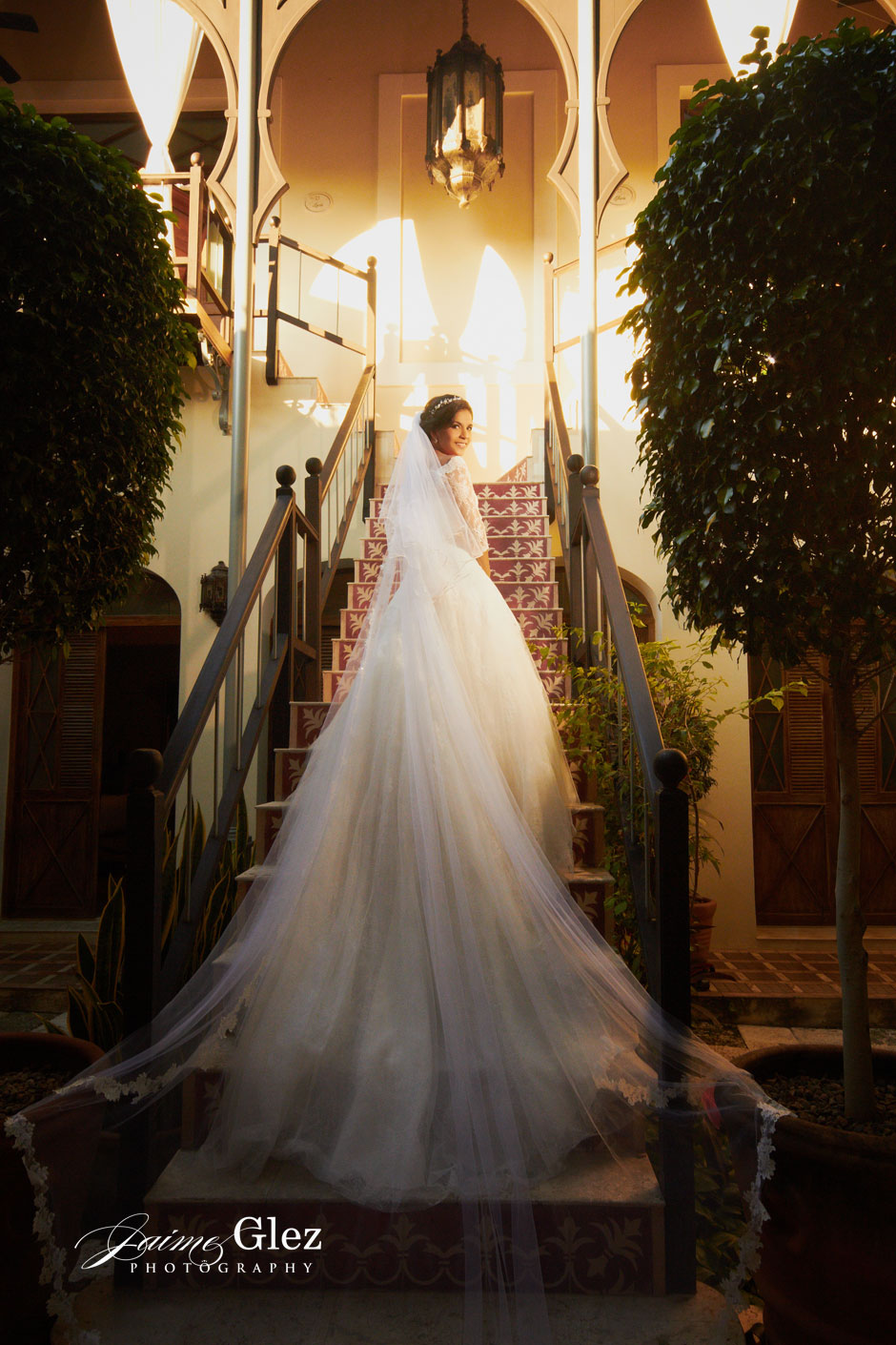 What do you think of this beautiful wedding dress? The bride looked stunning!