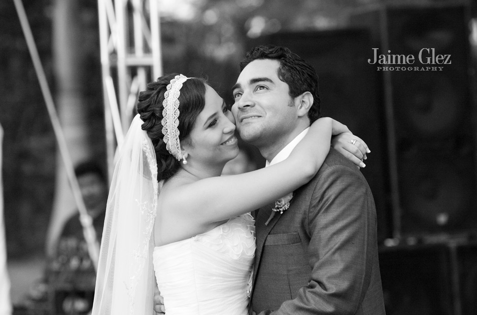 first-dance-wedding-mexico