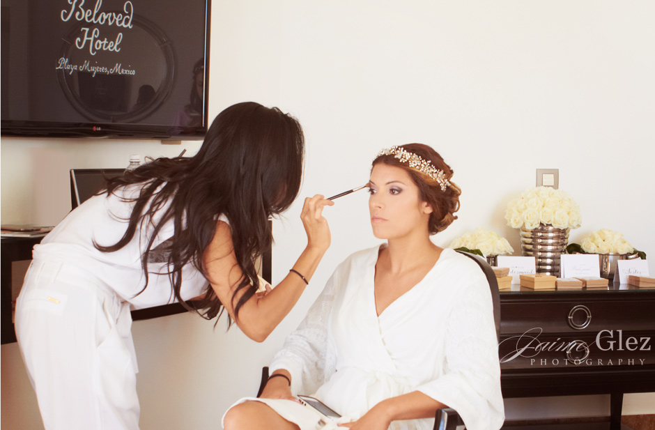 Bride's getting ready moment.