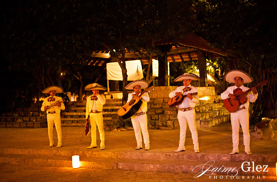playa-del-carmen-wedding-photos-10