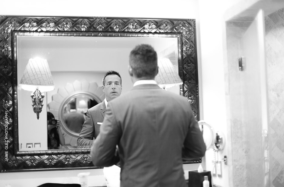 Groom's getting ready.