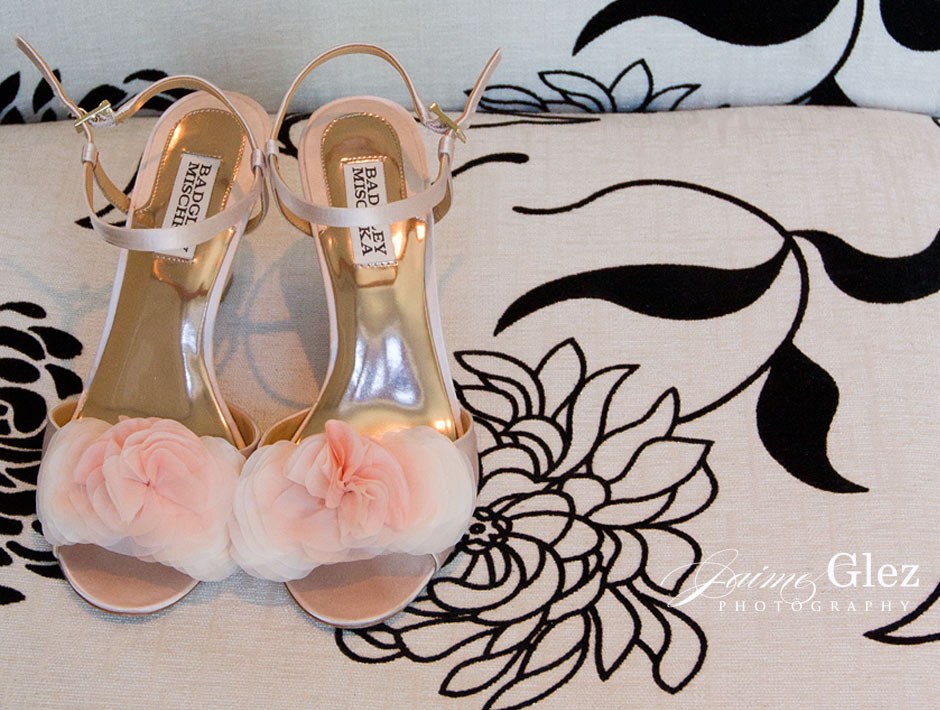 Sweet pink wedding shoes by Badgley Mischka designs.