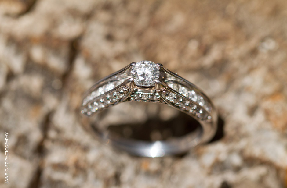 Gorgeous vintage style wedding ring.