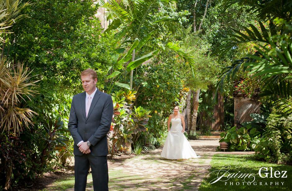 First look de los novios en jardines de la Hacienda Sac Chich.