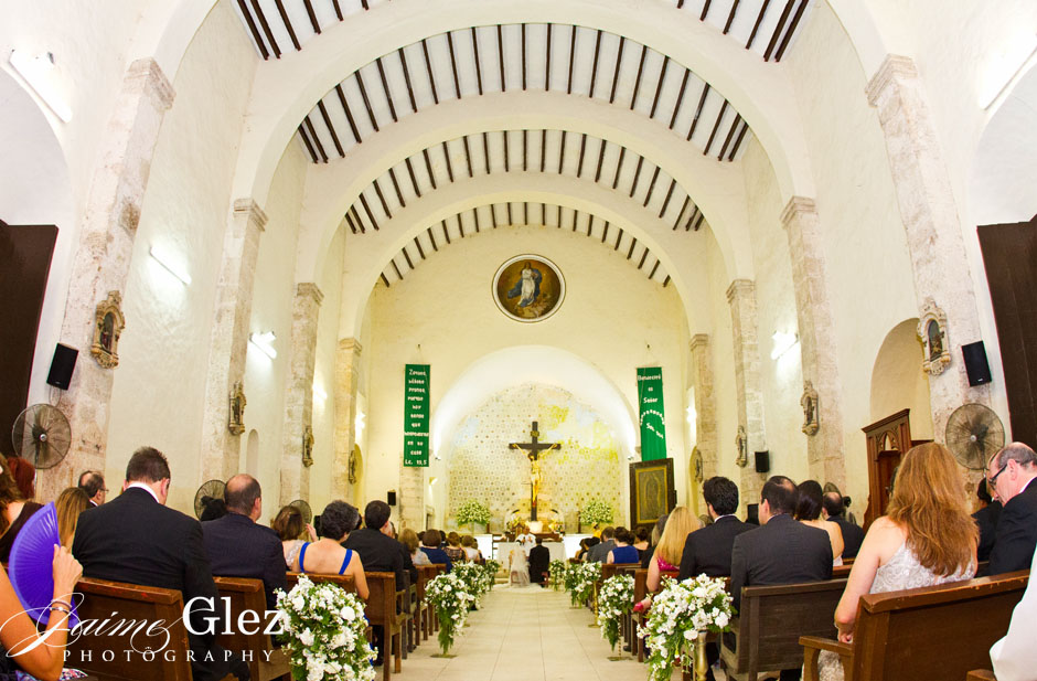 Wedding ceremony at Iglesia Acanceh in Yucatan.