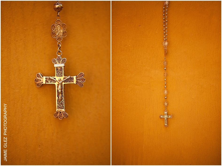 A beautiful rosary belonging to a Saint and that now it had been a family relic.
