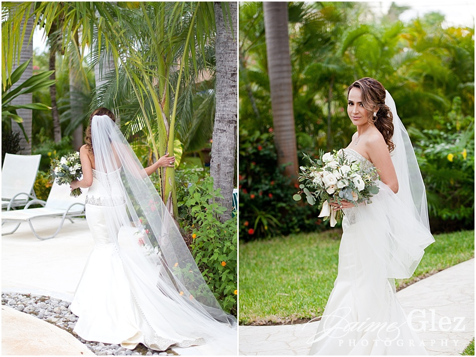 Oh her dress!! Gorgeous bride style!
