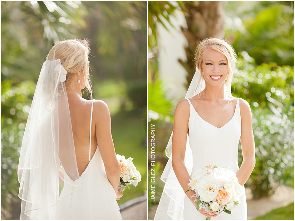Camille looks simply stunning in this gorgeous, simple and elegant wedding dress.