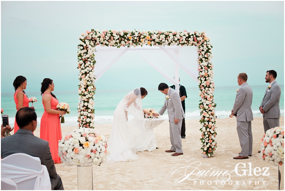 Sandos cancun luxury wedding 23