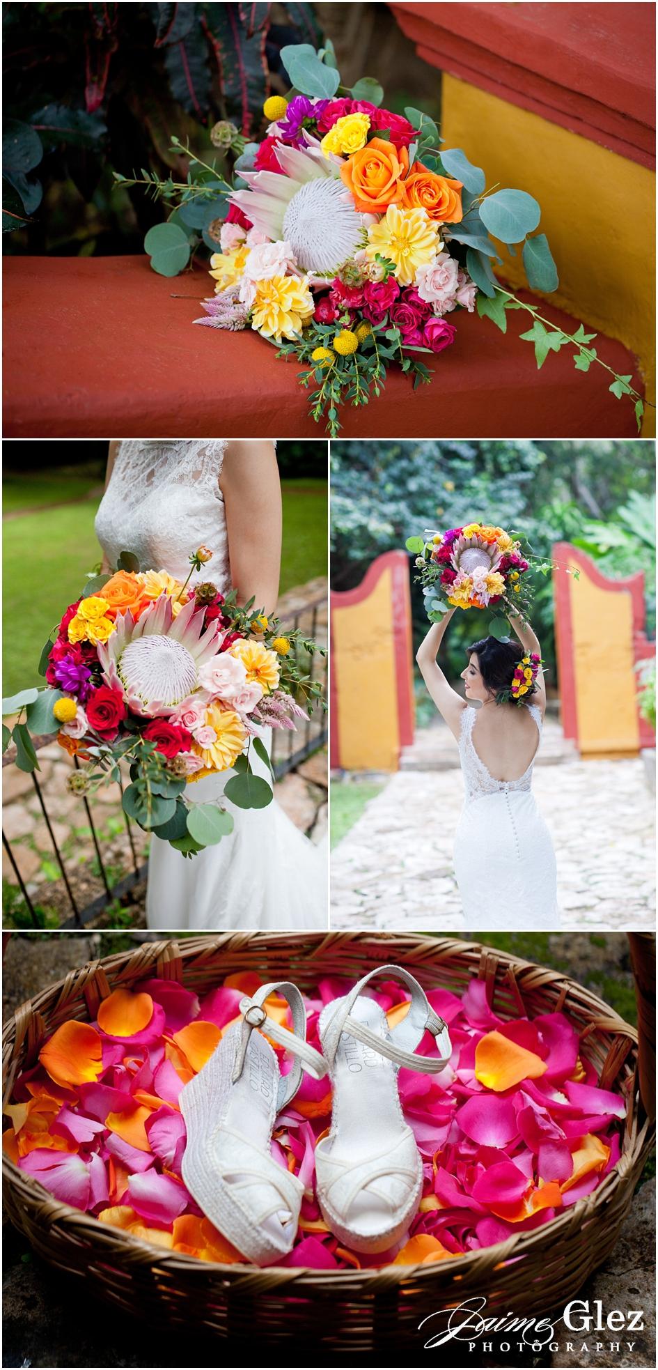 Precioso ramo de novia lleno de color y flores exóticas! Divino!