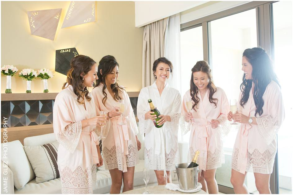 Champagne is always a wonderful idea to celebarte with bridesmaids.