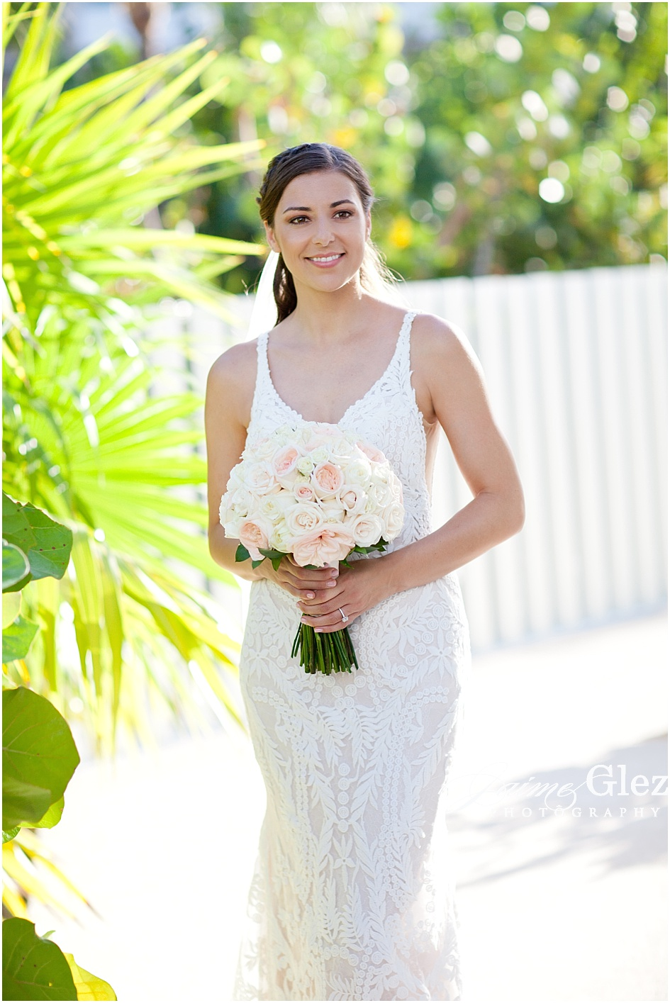 How stunning is Amber in that wedding gown?