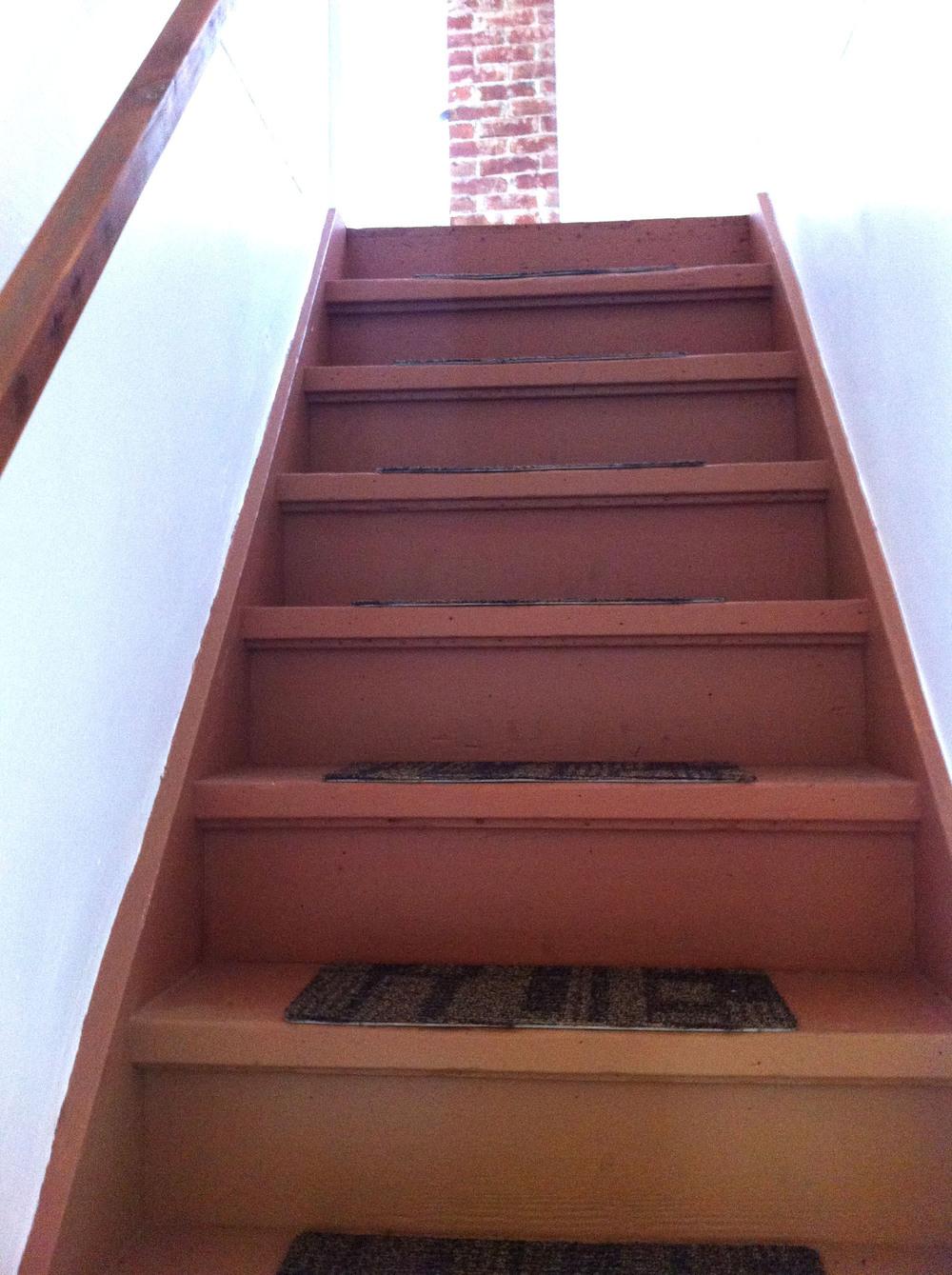 bed_stairs.jpg