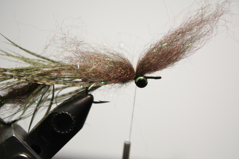 tie in a clump of senyo laser dub by the middle with a couple turns.