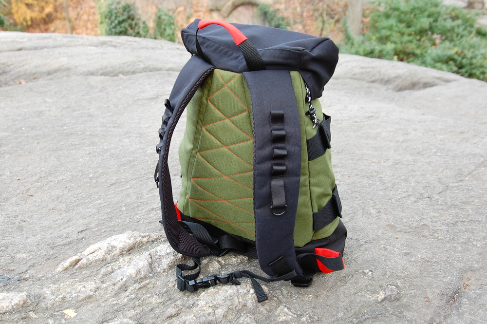 The straps and back of the bag are padded, making it comfortable to wear for long periods of time.