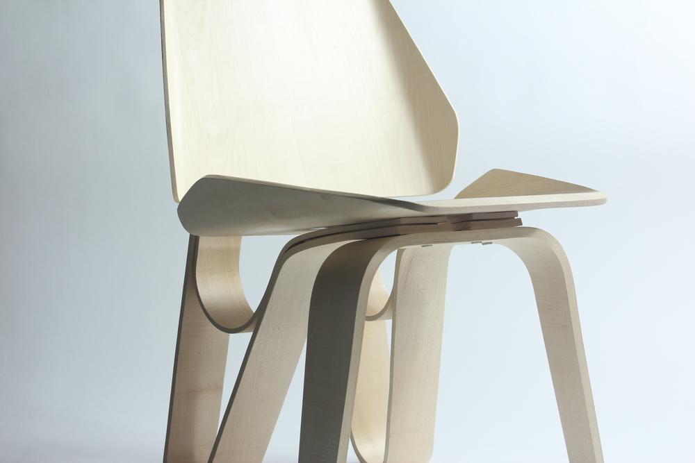 Sierra Yip-Bannicq_Loop Chair_7.JPG
