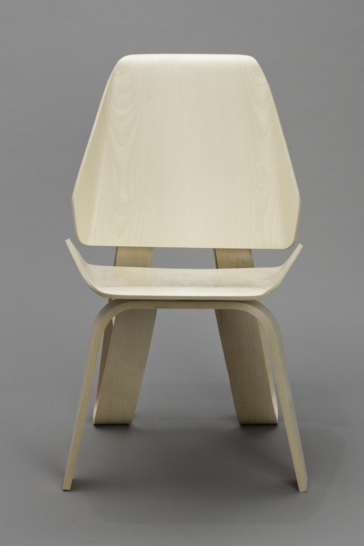 Sierra Yip-Bannicq_Loop Chair_2.jpeg