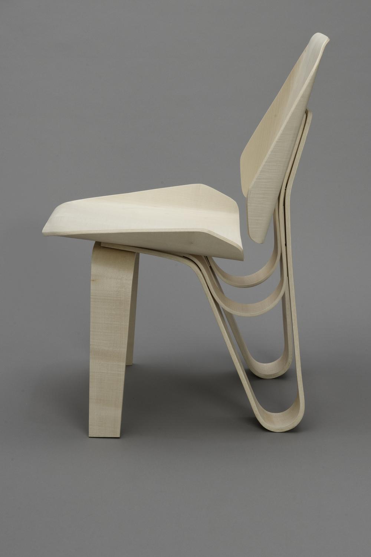 Sierra Yip-Bannicq_Loop Chair_3.jpeg