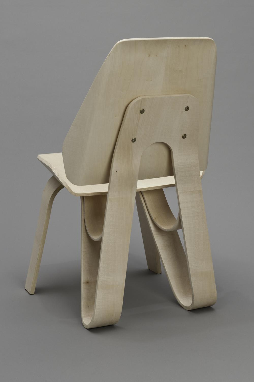 Sierra Yip-Bannicq_Loop Chair_1.jpeg