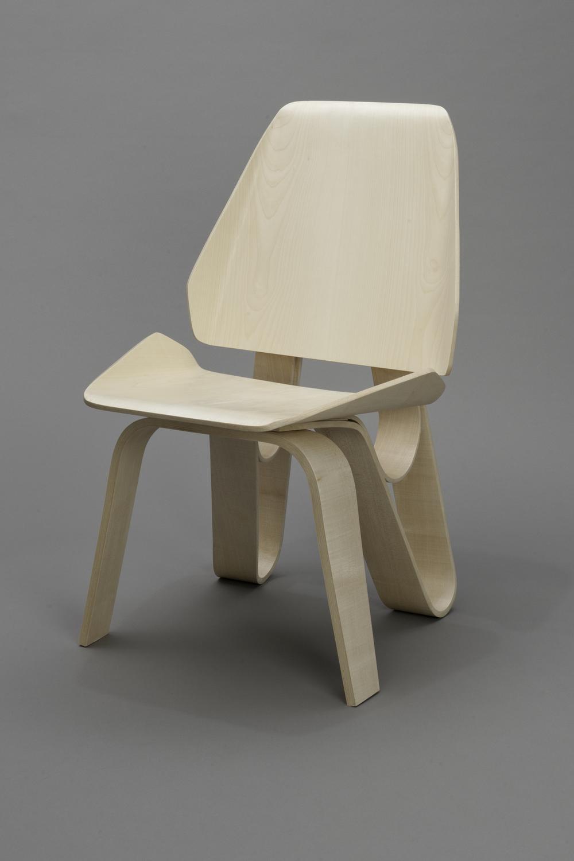 Sierra Yip-Bannicq_Loop Chair_4.jpeg