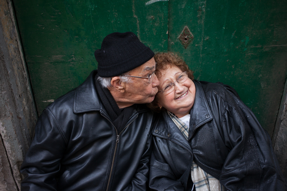 Nan and Pop Kiss Malta.jpg