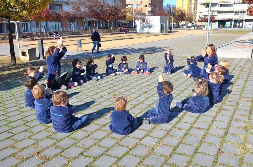 La_Caseta_dels_infants_ioga_carrer_01.JPG