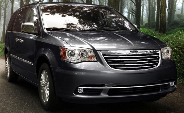 2013 chrysler town country uconnect review car tech talk. Black Bedroom Furniture Sets. Home Design Ideas