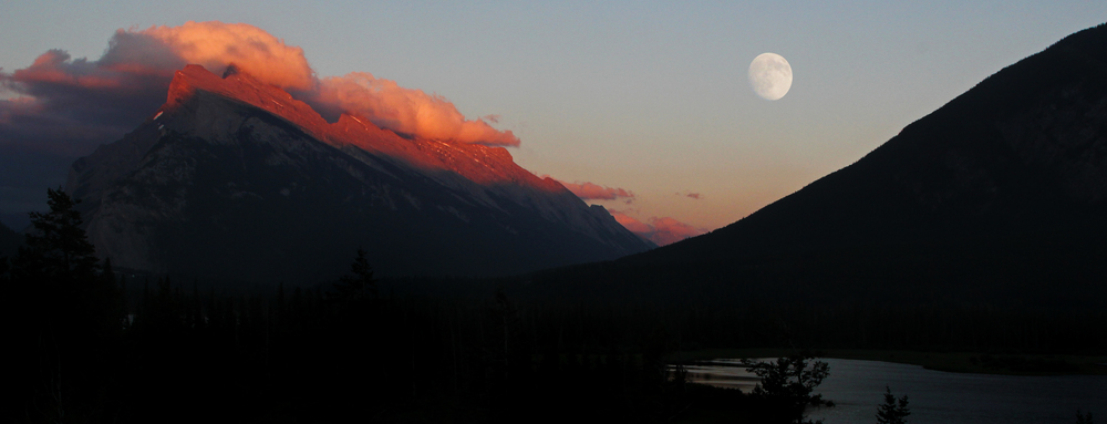 Rundle Alpenglow