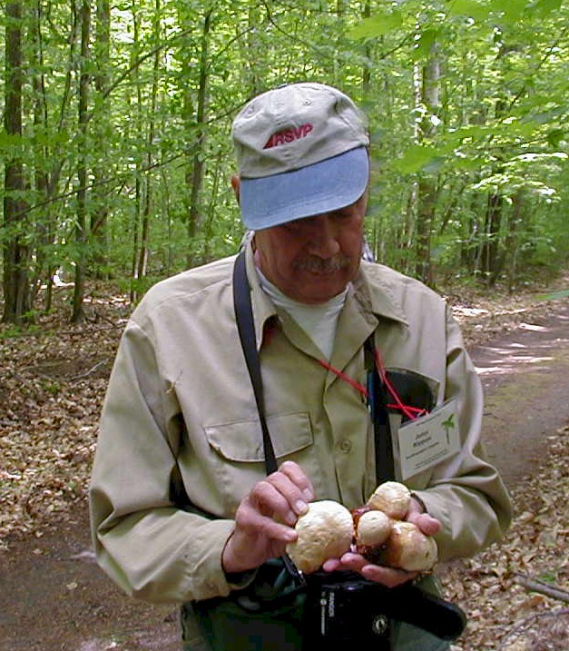 john rippon with mushrooms.JPG