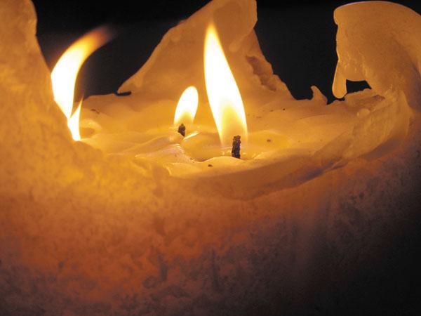 DSC00109_candle.jpg