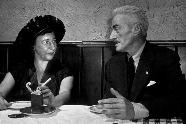 Dashiel Hammett (right)