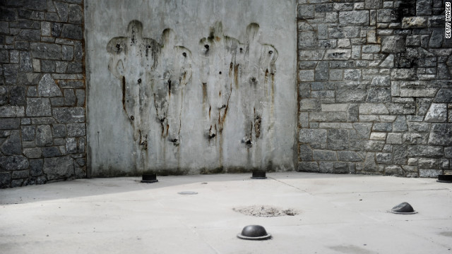 Former site of Joe Paterno's statue - cnn.com