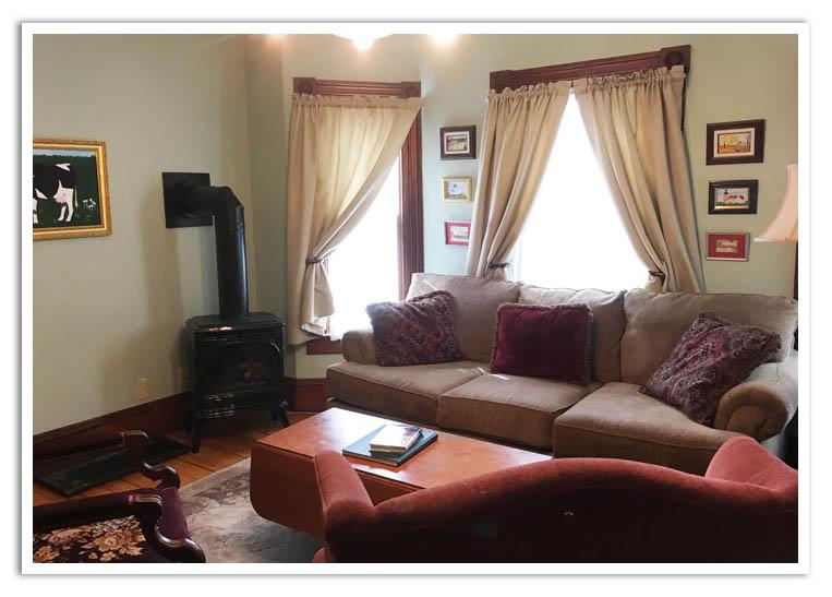 9-10 Living Room.jpg
